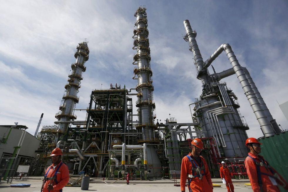 Refinería de de la petrolera estatal mexicana Pemex en Salamanca (México).