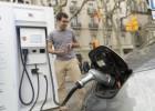 La venta de coches eléctricos sube el 175% por las subvenciones