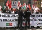 Unicaja plantea 1.120 despidos en Banco Ceiss, un tercio de la plantilla
