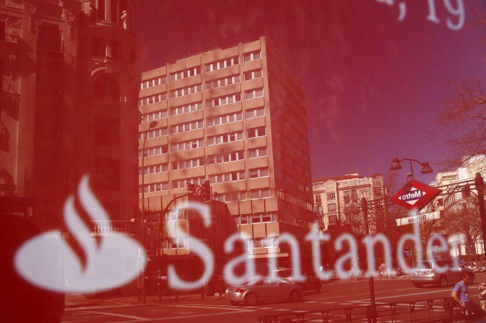 Santander propone que la mitad de los despidos sean for Banco santander madrid oficinas