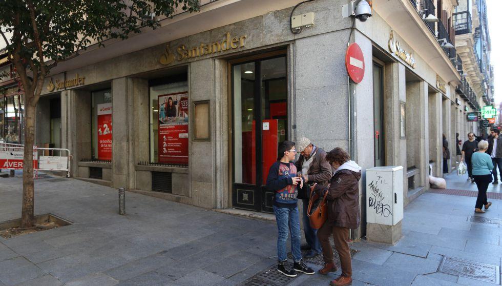 la banca inicia la segunda reestructuraci n del negocio
