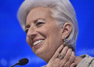 """Lagarde llama a """"cruzar líneas rojas políticas"""" para salvar la reactivación"""