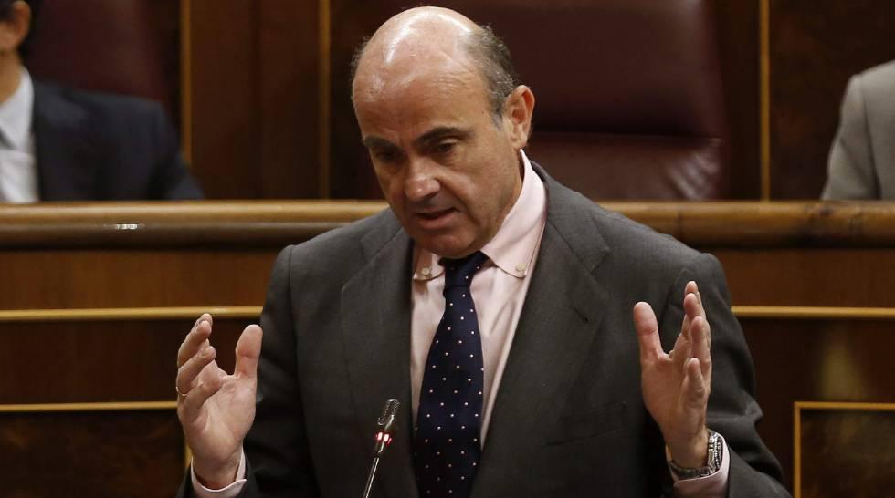 El ministro de Economía y Competitividad en funciones, Luis de Guindos, en el Congreso.