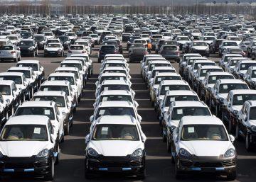 Berlín ve irregularidades en las emisiones de 16 marcas de coches
