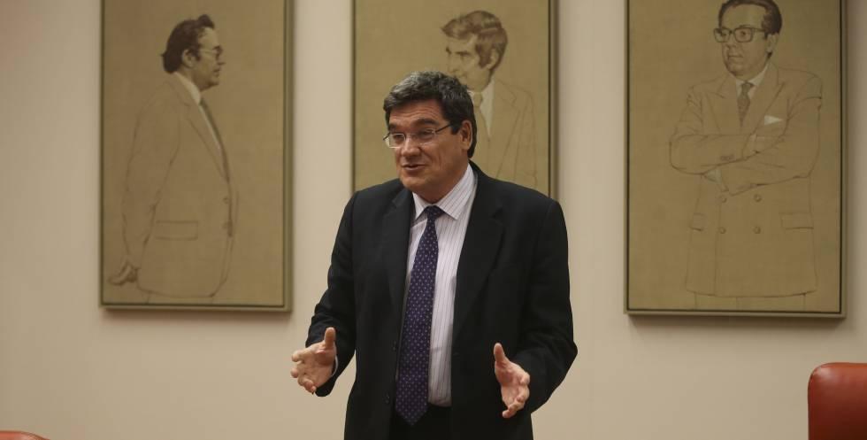 El presidente de la Autoridad Independiente de Responsabilidad Fiscal (AIReF), José Luis Escrivá, a principios de abril.