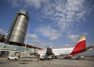 """El grupo de Iberia gana 104 millones pero ve débil """"la demanda premium"""""""