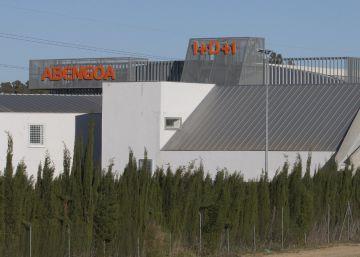 Abengoa despide a otros 500 empleados por su plan de ajuste