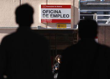 El paro baja en 83.599 personas en abril con casi 160.000 empleos nuevos