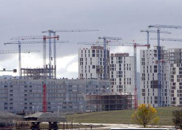 La banca aumenta su cartera de pisos y suelo embargados por impagos