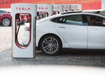Tesla dobla las pérdidas