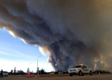 El macroincendio en Canadá dispara la volatilidad del petróleo