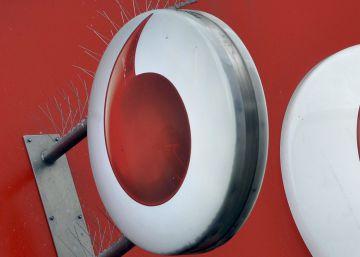 Vodafone mejora sus resultados en 2015 pero sus ingresos aún caen