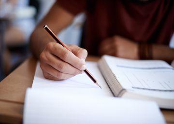 El peligro de procrastinar antes de los exámenes finales