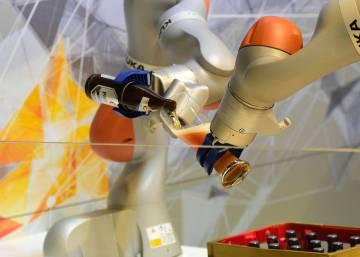 El fabricante de electrodomésticos chino Midea lanza una oferta por la firma alemana de robótica Kuka