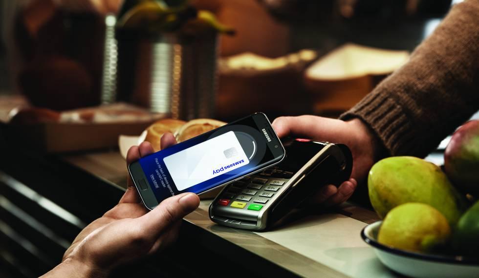 Pago en un comercio con TPV a través de Samsung Pay.