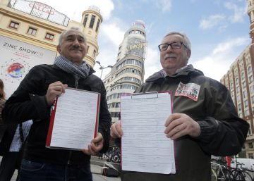 Los sindicatos presentan en el Congreso las firmas para pedir una renta mínima