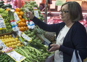 Los precios caen un 1% en mayo y encadenan cinco meses a la baja