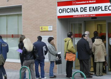 Jobless claims in Spain fall to below four million, best figure since 2010