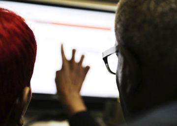 EE UU reduce el paro pese a la brusca caída en la contratación