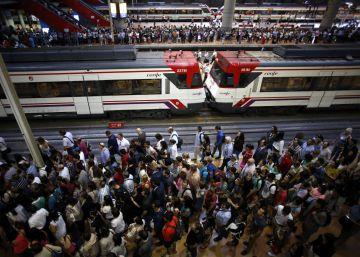 La huelga obliga a Renfe a cancelar 111 trenes al no cumplirse los mínimos