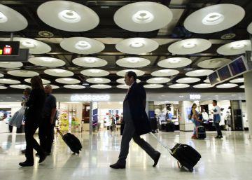 Competencia reclama a AENA que baje las tarifas al prever más tráfico