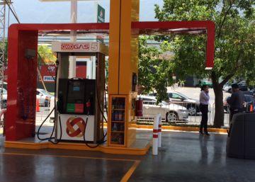 Oxxo abre su cadena de gasolineras en México