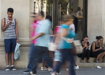 """Los ayuntamientos no podrán cobrar el """"uso del aire"""" por los móviles"""