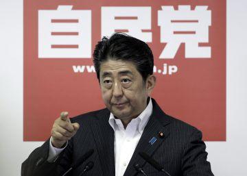 Abe anuncia nuevos estímulos para revitalizar la economía japonesa