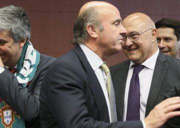 Veinte economistas contra la multa de Bruselas