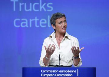 Bruselas impone a cinco fabricantes de camiones la mayor multa a un cartel
