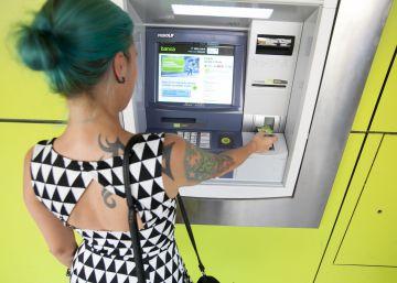 El Defensor del Pueblo pide una tarifa máxima para los cajeros