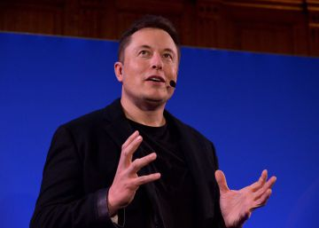 Elon Musk trabaja ya en el desarrollo de un autobús y un camión eléctrico