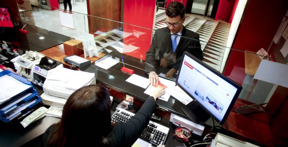 Los seis grandes bancos superan los test de estr s del for Oficina de banco santander