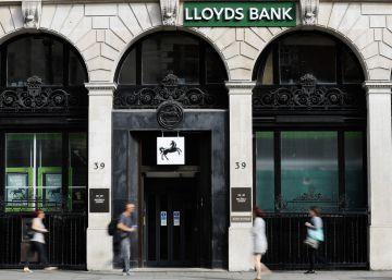 El banco inglés Lloyds recortará 3.000 empleos y cerrará 200 oficinas para 2017