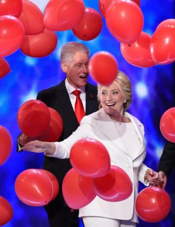 Hillary y Bill Clinton, durante la Convención Demócrata de Filadelfia.
