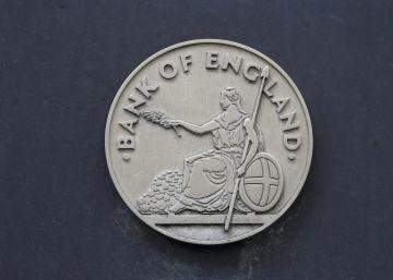 La libra cae tras la bajada de tipos mientras las Bolsas suben