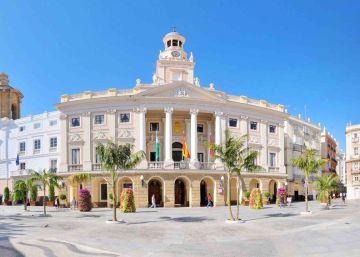 El 'funcionario fantasma' de Cádiz devuelve el dinero que le exigían por no ir a trabajar