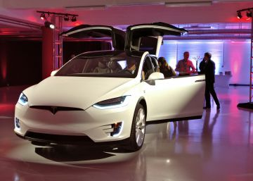 Tesla abre su 'embajada' en San Francisco: una megatienda de 6.000 metros cuadrados