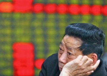 La Bolsa china pelea por recuperar la confianza un año después del 'crash'