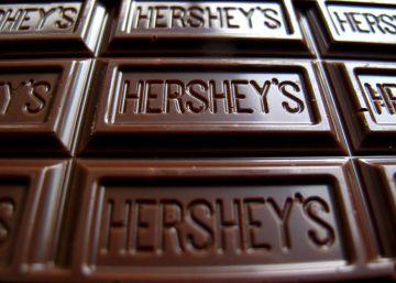 Una chocolatina Hershey's.