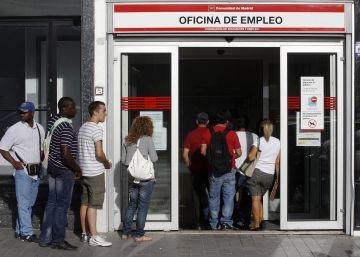 El paro sube en agosto tras destruirse 144.997 empleos