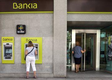 """Un jefe del Banco de España avisó que BFA-Bankia era """"inviable"""" antes de salir a Bolsa"""
