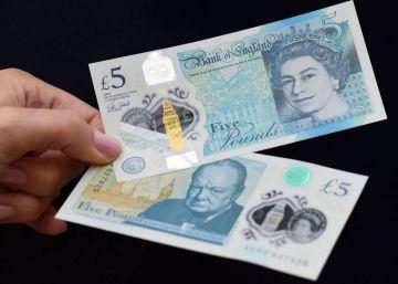 Los billetes de plástico de cinco libras comienzan a circular en Reino Unido