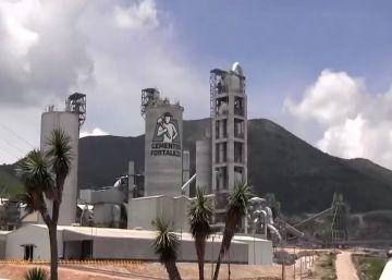 Dos familias mexicanas desafían el oligopolio del cemento