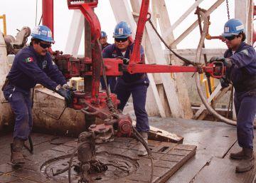Pemex prescinde de 9.000 trabajadores pero contratará más directivos y mejor pagados