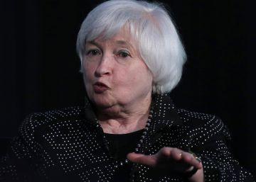 La Reserva Federal mantiene los tipos pero insinúa una subida inminente