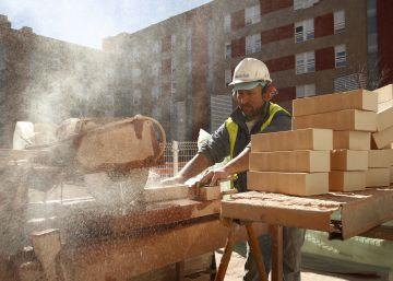 El ladrillo recupera lustre: más viviendas y más caras para el año que viene