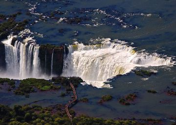 Argentina baja impuestos para frenar la caída del turismo