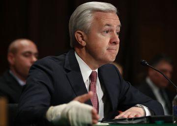 El ejecutivo de Wells Fargo renuncia a 41 millones de dólares por las cuentas falsas