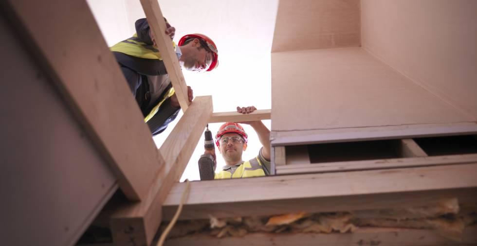 El mantenimiento constante de los edificios de viviendas evita afrontar grandes derramas.